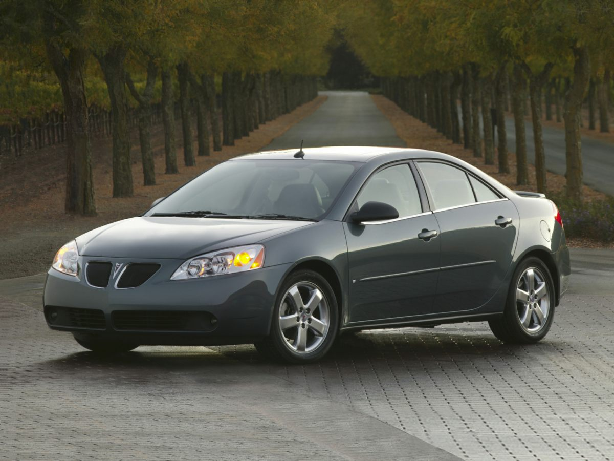 2007 Pontiac G6 4dr Sdn GT BLUE CD player Bumpers: body-color