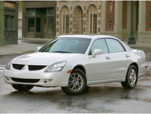2004 Mitsubishi Diamante Sedan