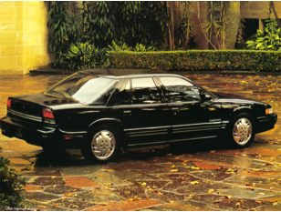 1994 Oldsmobile Cutlass Supreme Sedan