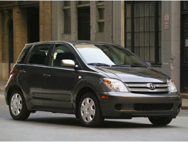 2005 Scion xA Sedan
