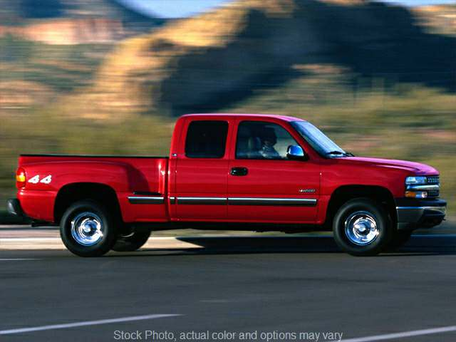 2000 Chevrolet Silverado 1500 4WD Ext Cab LS at Good Wheels near Ellwood City, PA