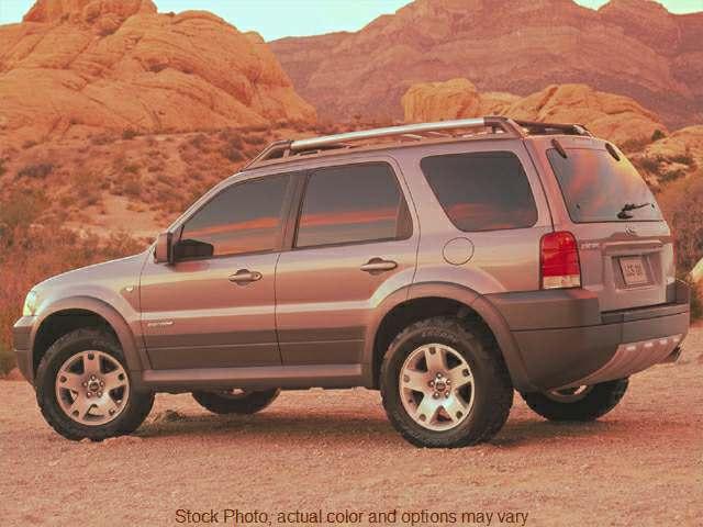 2001 Ford Escape 4d SUV 4WD XLT at Bobb Suzuki near Columbus, OH