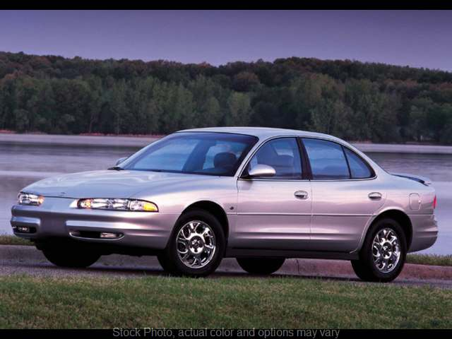 Used 2001  Oldsmobile Intrigue 4d Sedan GX at Car Country near Aurora, IN