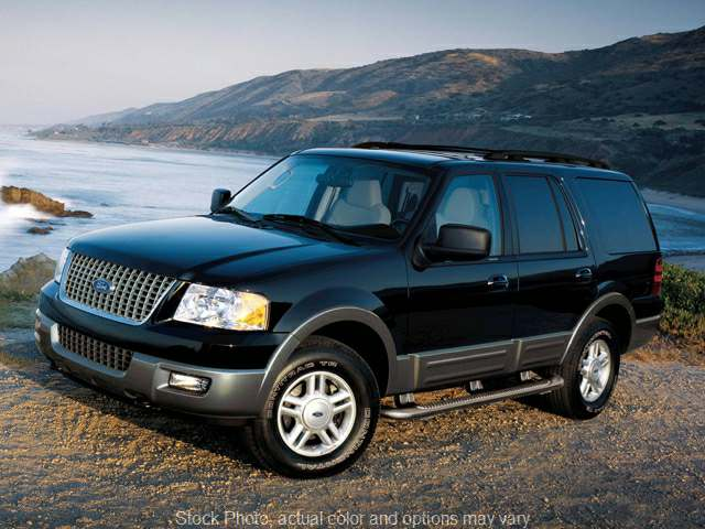 Used 2005  Ford Expedition 4d SUV 4WD XLT at Arnie's Ford near Wayne, NE