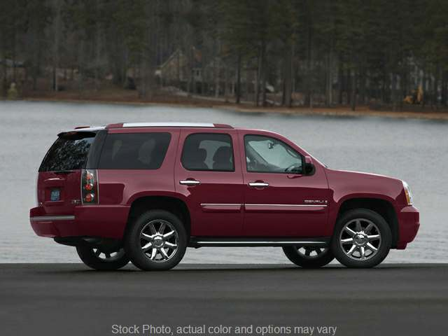 Used 2007  GMC Yukon XL 1500 SUV 4WD Denali at City Wide Auto Credit near Toledo, OH