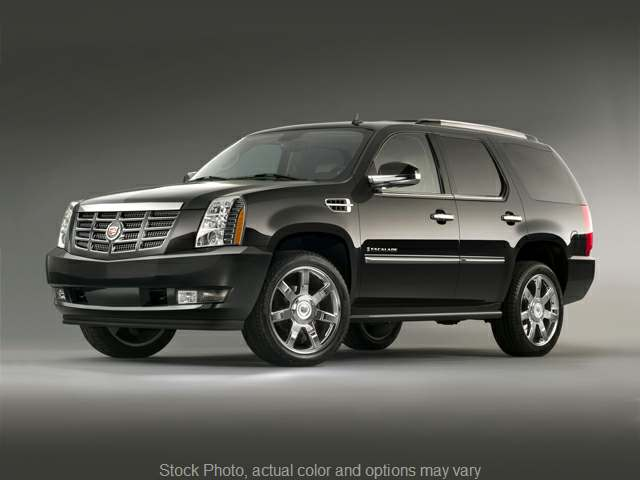 Used 2009 Cadillac Escalade 4d SUV AWD Ultra Luxury at Shook Auto Sales near New Philadelphia, OH