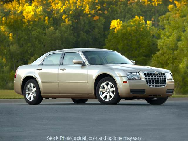 2008 Chrysler 300 4d Sedan LX at Good Wheels near Ellwood City, PA
