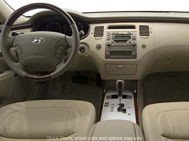 Used 2009  Hyundai Azera 4d Sedan Limited at Good Wheels near Ellwood City, PA