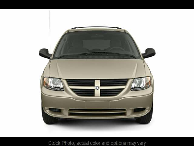 Used 2005  Dodge Grand Caravan 4d Wagon SE at Springfield Select Autos near Springfield, IL