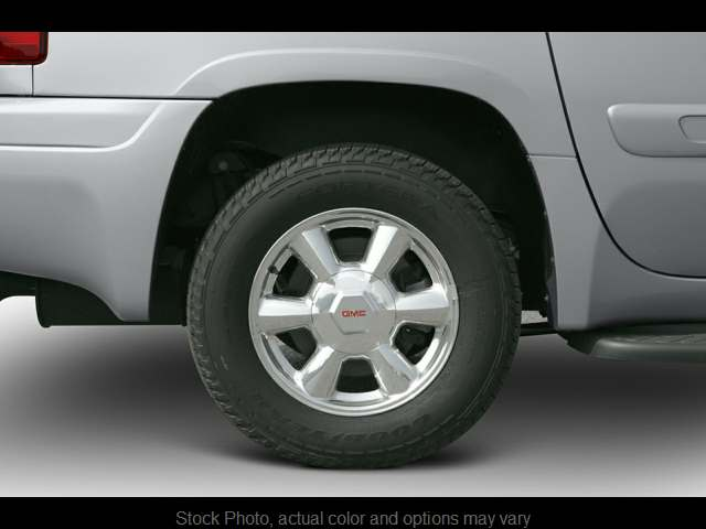 Used 2006  GMC Envoy XL 4d SUV 4WD Denali at City Wide Auto Credit near Toledo, OH