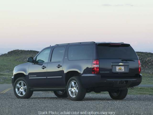 2014 Chevrolet Suburban 4d SUV 4WD LT at Graham Auto Group near Mansfield, OH