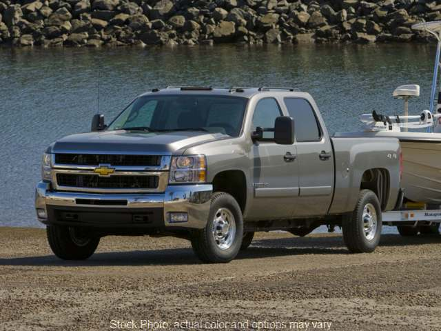 Used 2010  Chevrolet Silverado 2500 4WD Crew Cab LT at City Wide Auto Credit near Oregon, OH