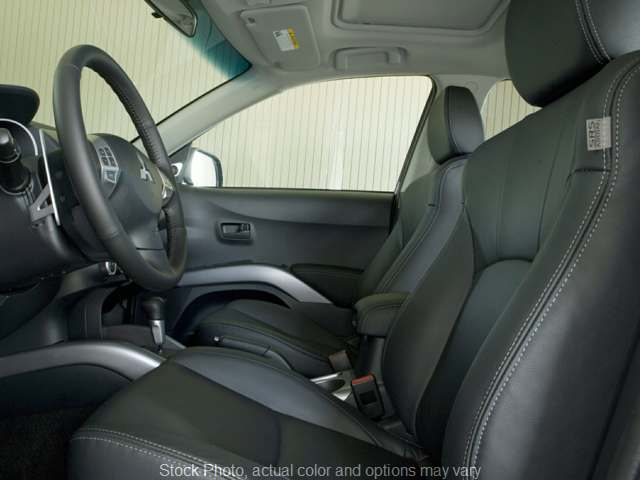 Used 2009  Mitsubishi Outlander 4d SUV 4WD ES at Express Auto near Kalamazoo, MI