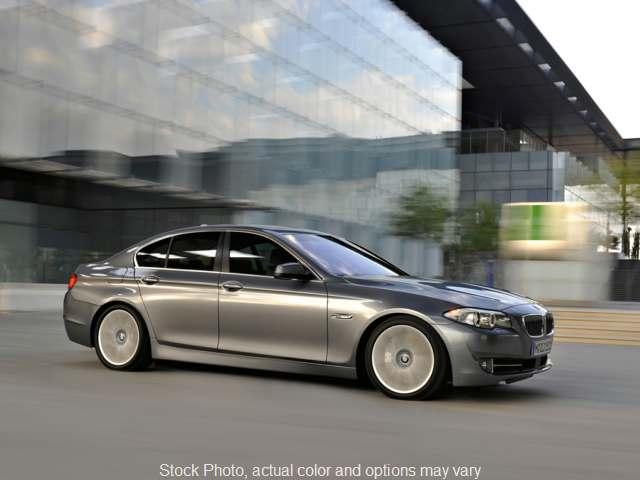 2013 BMW 5 Series 4d Sedan 528i xDrive at Metro Auto Sales near Philadelphia, PA