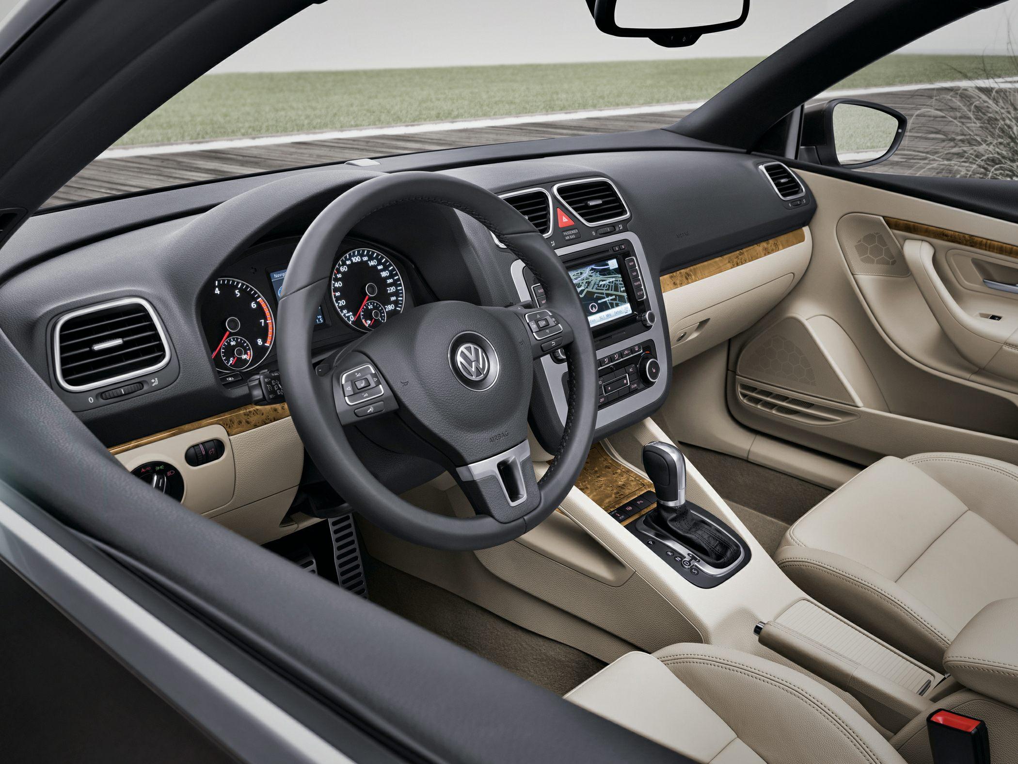 2014 Volkswagen Eos Irvine CA | Norm Reeves Volkswagen