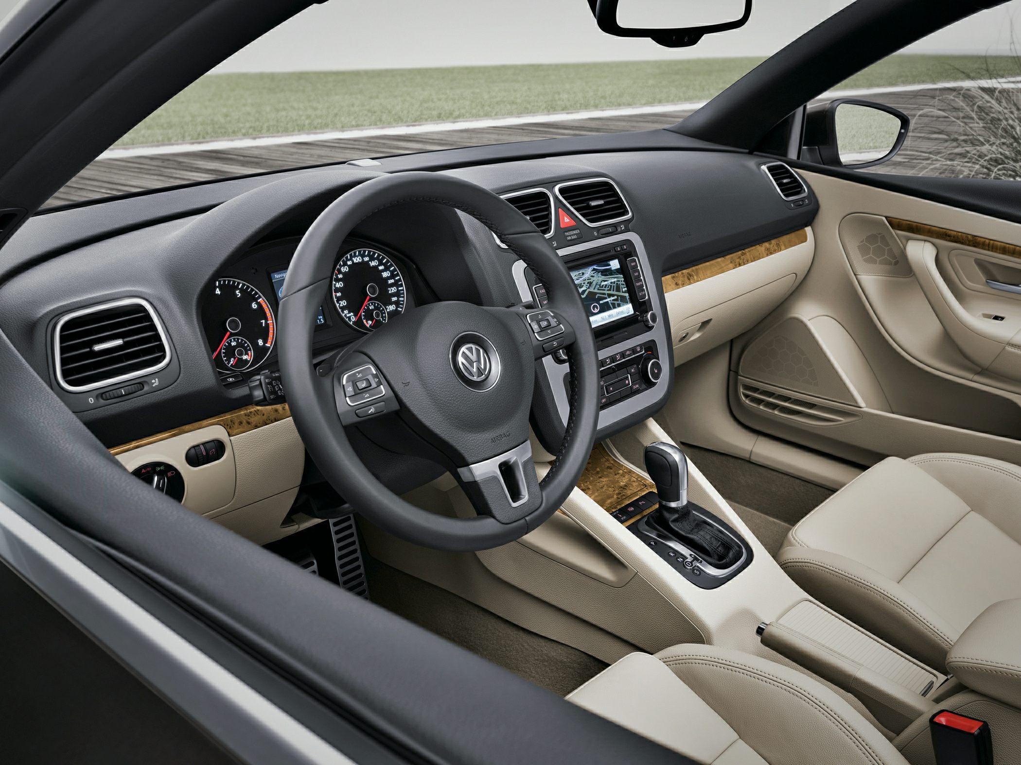 2014 Volkswagen Eos Interior Irvine CA