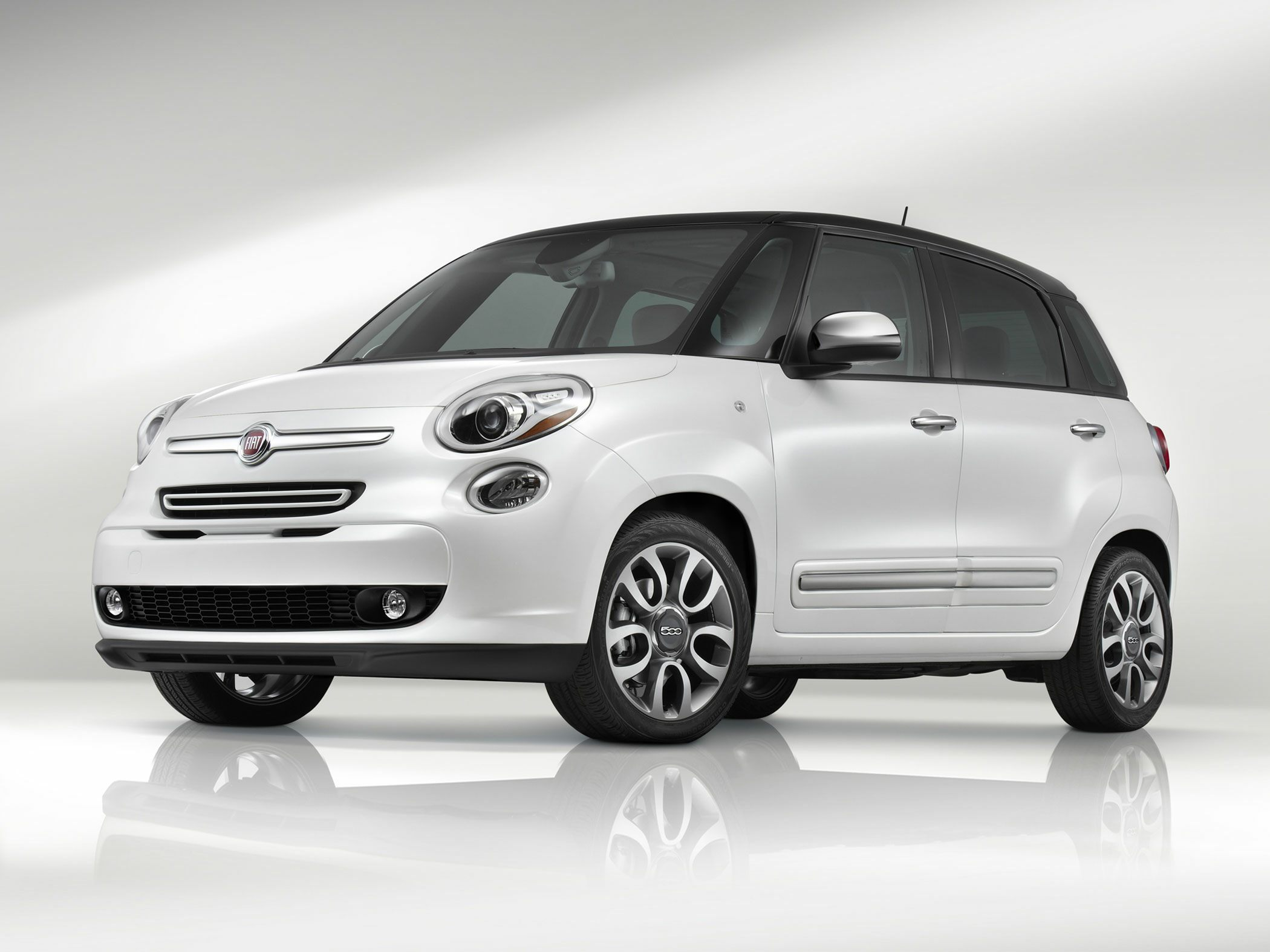 now interior includes mid news dash screen pictures facelift revealed colour new car official pics leasing s first fiat of look