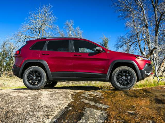 Used 2015  Jeep Cherokee 4d SUV 4WD Trailhawk V6 at I Deal Auto near Louisville, KY