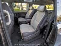 New 2017  Kia Sedona 4d Wagon EX at Berwyn Kia near Berwyn, IL