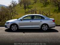 Used 2015  Volkswagen Jetta 4d Sedan SE w/Connectivity at Bobb Suzuki near Columbus, OH