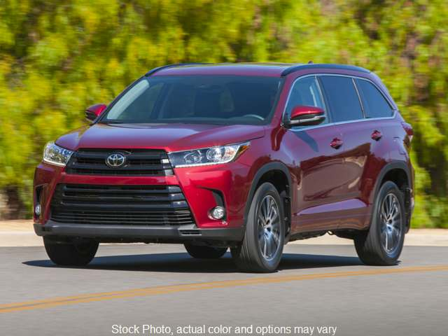 New 2019  Toyota Highlander 4d SUV AWD XLE at Graham Auto Group near Mansfield, OH