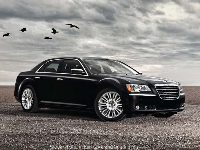 2013 Chrysler 300 4d Sedan Motown at Bobb Suzuki near Columbus, OH