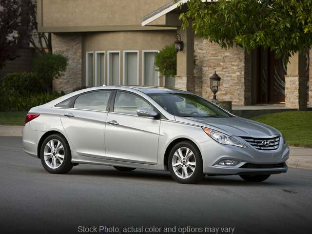 Used 2013  Hyundai Sonata 4d Sedan SE at Shields AutoMart near Paxton, IL