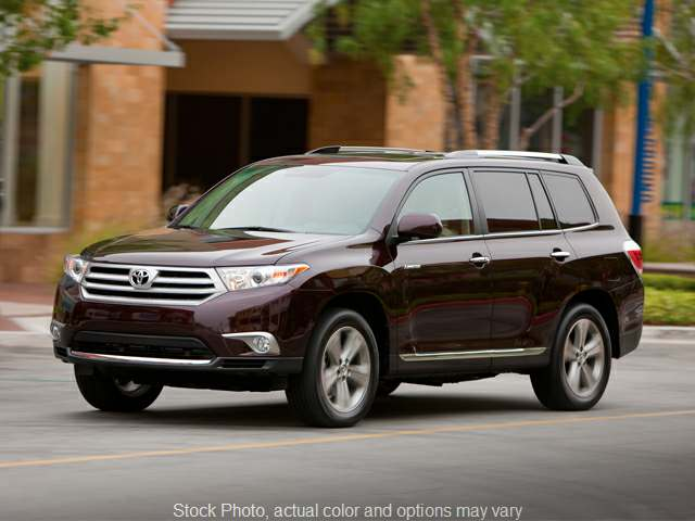 2013 Toyota Highlander 4d SUV AWD at Monster Motors near Michigan Center, MI