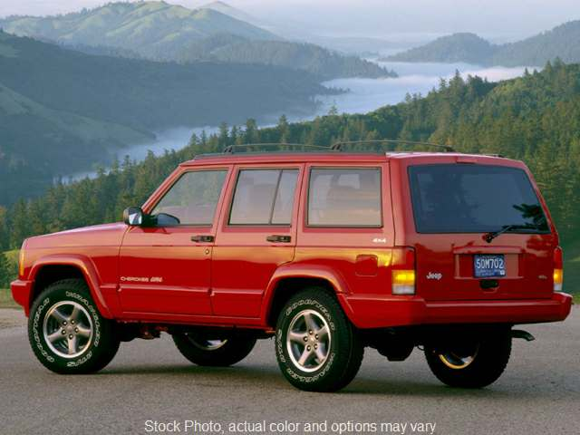 Used 1999  Jeep Cherokee 4d SUV 4WD Classic at City Wide Auto Credit near Oregon, OH