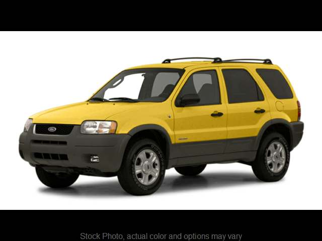 Used 2001  Ford Escape 4d SUV 4WD XLT at Bobb Suzuki near Columbus, OH