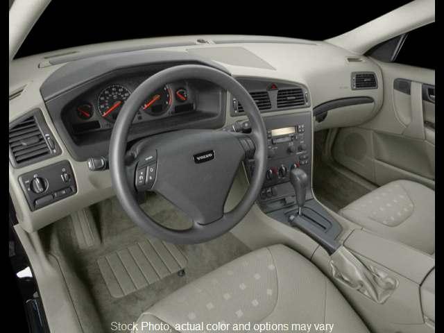 Used 2001  Volvo S60 4d Sedan 2.4T at Bobb Suzuki near Columbus, OH