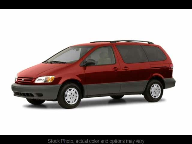 2002 Toyota Sienna 5d Wagon LE at CarCo Auto World near South Plainfield, NJ