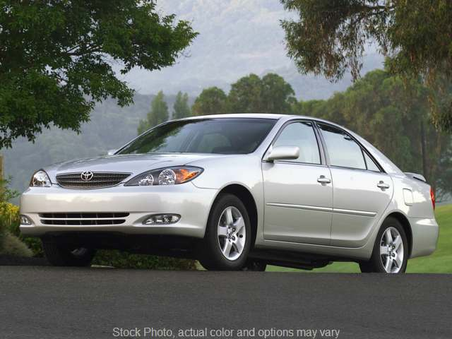 2005 Toyota Camry 4d Sedan XLE V6 at Mike Burkart Ford near Plymouth, WI