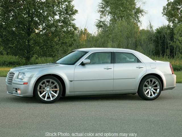 2006 Chrysler 300C 4d Sedan at Good Wheels near Ellwood City, PA
