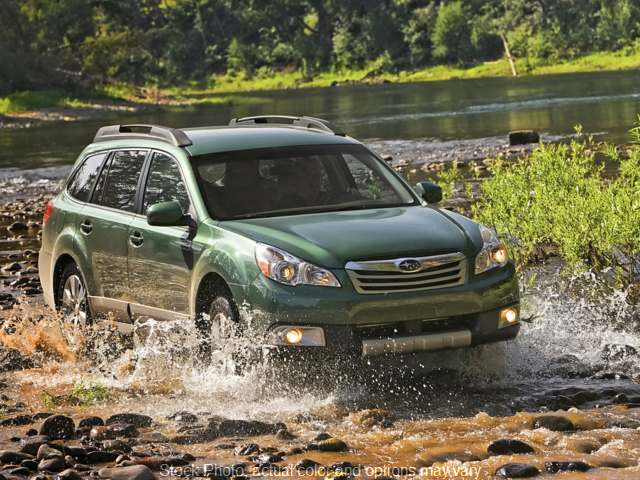 Used 2011  Subaru Outback 4d SUV i Prem AT All-Weather/Moonroof at Express Auto near Kalamazoo, MI