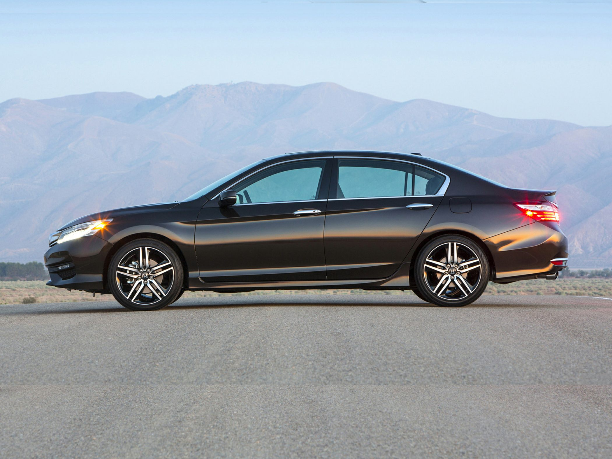 coupe vehicle honda used expert of accord review