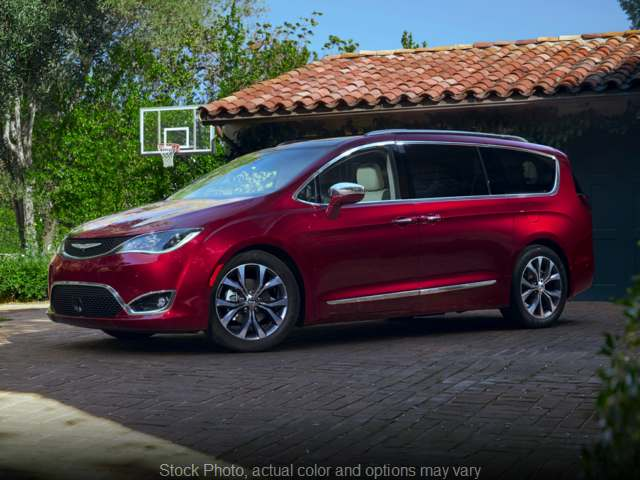 Used 2018 Chrysler Pacifica 4d Wagon Touring L at Ubersox Used Car Superstore near Monroe, Wisconsin