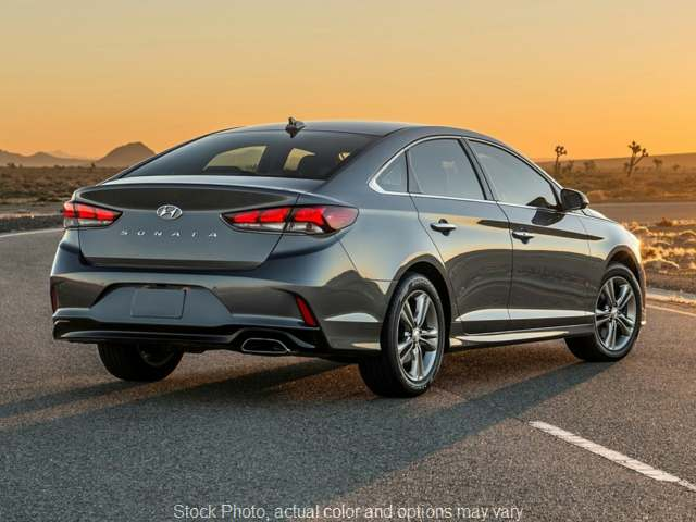 New 2019  Hyundai Sonata 4d Sedan SE at Graham Auto Group near Mansfield, OH