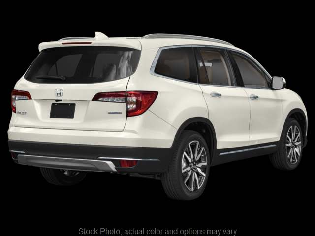 New 2019  Honda Pilot 4d SUV FWD Touring 7-Passenger at Carl Hogan Honda near Columbus, MS