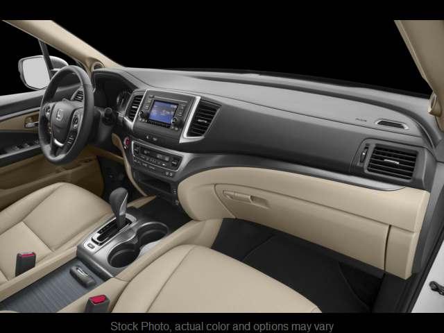 New 2019  Honda Ridgeline Crew Cab FWD RTL at CarloanExpress.Com near Hampton, VA