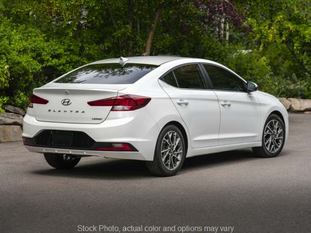 New 2020  Hyundai Elantra 4d Sedan SE at Carmack Car Capitol near Danville, IL