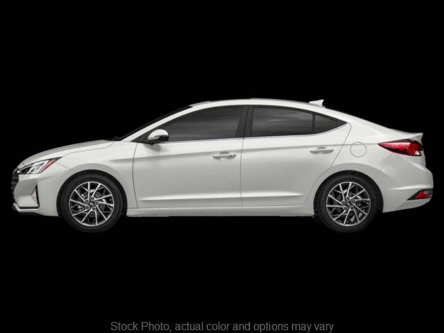 New 2019  Hyundai Elantra 4d Sedan SE Auto at Carmack Car Capitol near Danville, IL