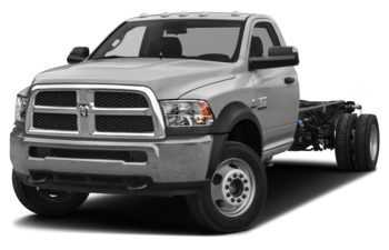 2018 RAM 3500 Chassis Cab 4491 kg (9900 lb) GVWR - Bright Silver Metallic
