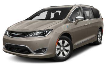 2018 Chrysler Pacifica Hybrid - Molten Silver