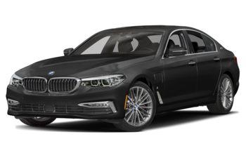 2020 BMW 530e - Black Sapphire Metallic