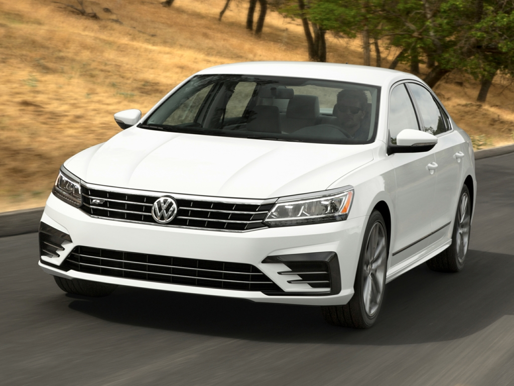 Vehicle details - 2018 Volkswagen Passat at Lash Volkswagen of White Plains White Plains - Lash ...