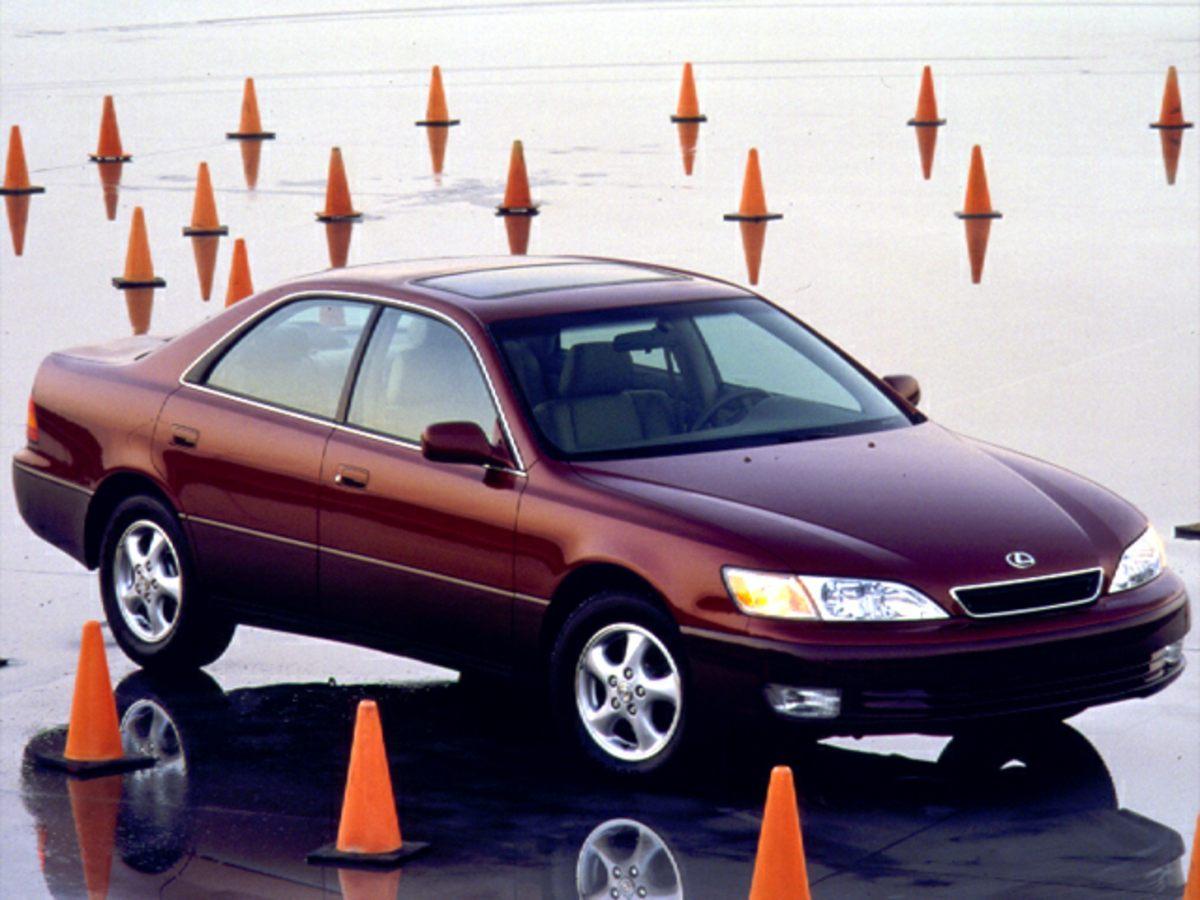 1999 Lexus ES 4dr Car
