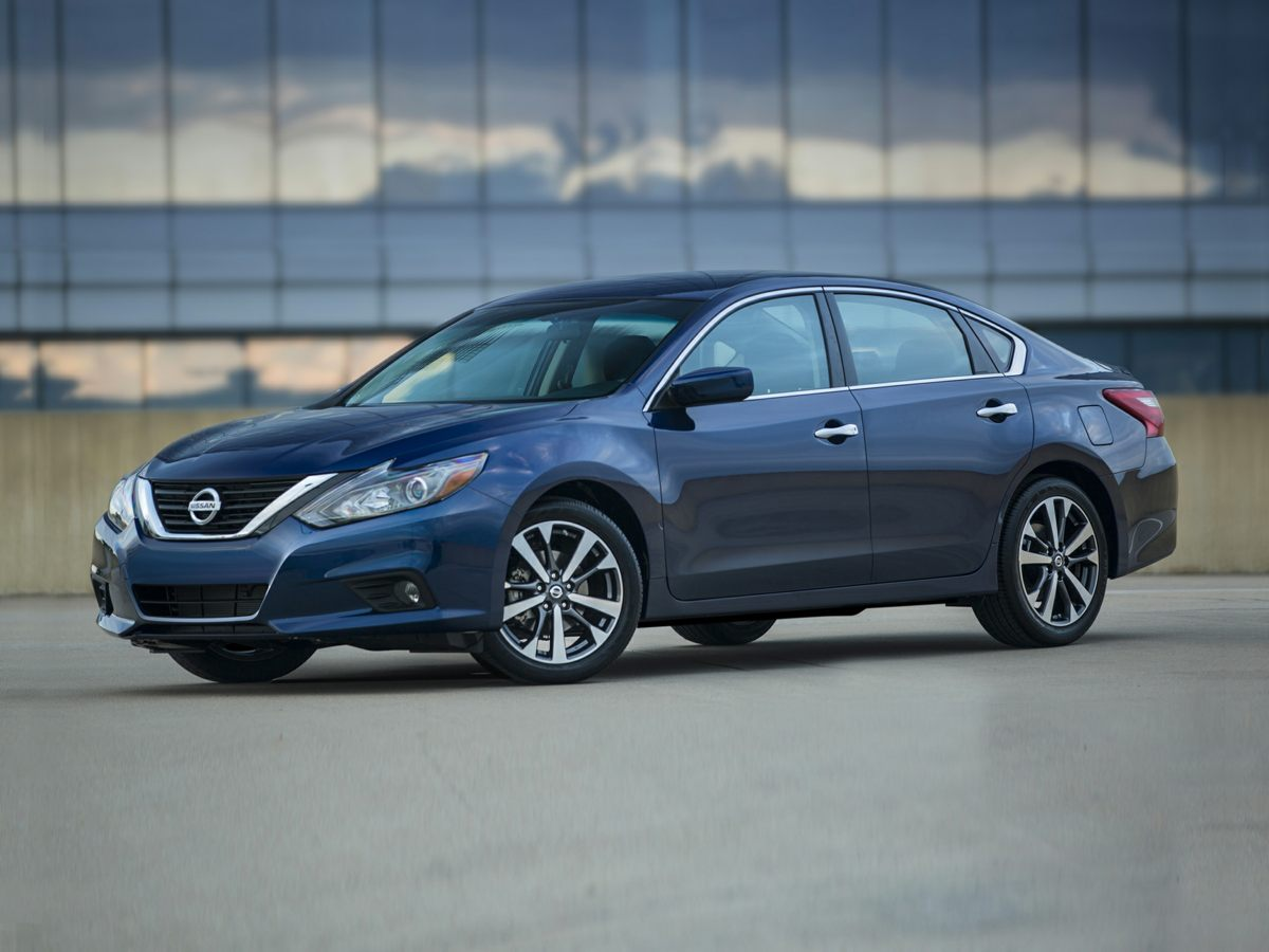 2017 Nissan Altima 4dr Car